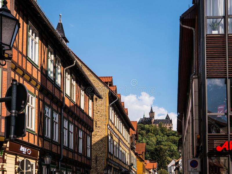 Замок Wernigerode от городка стоковое изображение rf