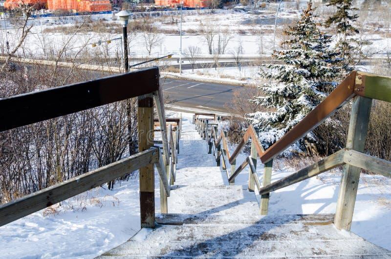 Замороженная деревянная лестница стоковая фотография