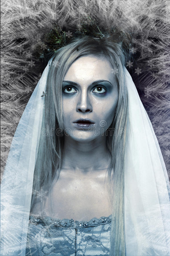 Замороженная невеста трупа зомби стоковая фотография
