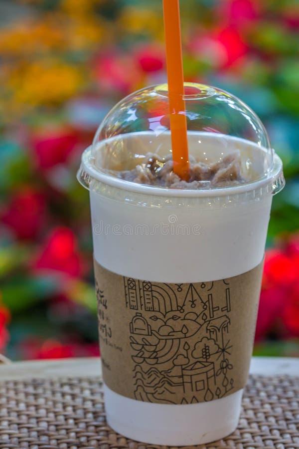 Замороженный кофе в пластичном стекле стоковые фото