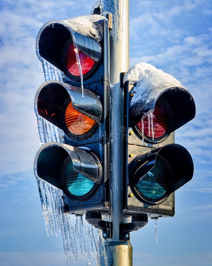 Замороженный светофор стоковые изображения