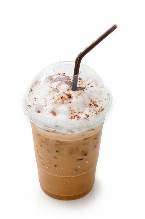 Замороженный latte кофе в на вынос чашке стоковое изображение