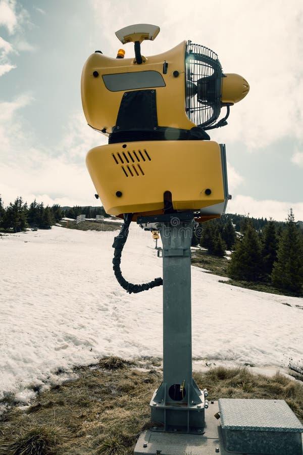 Заморозок машины оружия снега ждать стоковая фотография rf