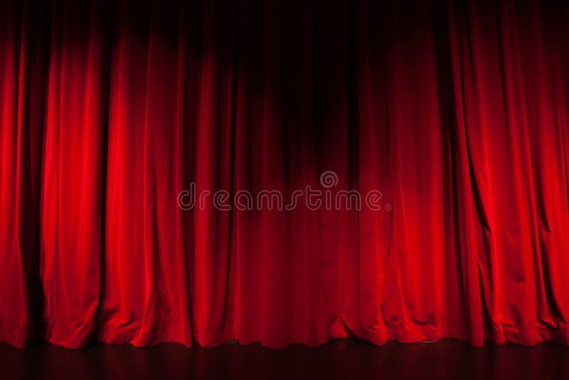 Занавес от театра с фарой стоковое изображение