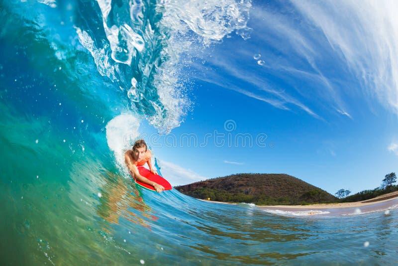 Заниматься серфингом пансионера тела стоковое фото rf