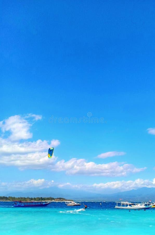 занимаясь серфингом ветер стоковые изображения