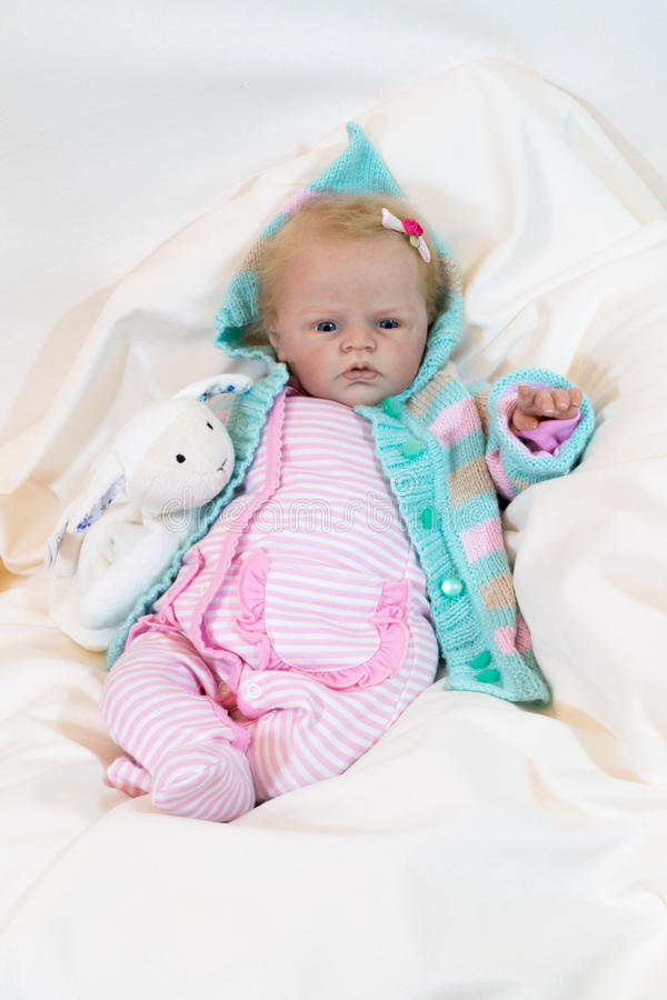 Заново родившийся кукла стоковое изображение rf