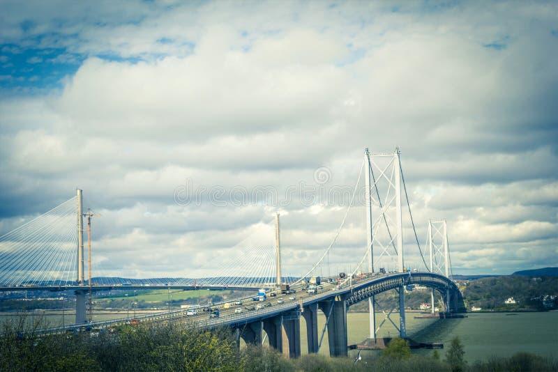 Занятый вперед мост дороги около Queensferry, Шотландии, Великобритании стоковое фото rf