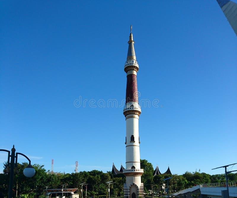 Западная башня мечети шоссе Суматры стоковое фото rf