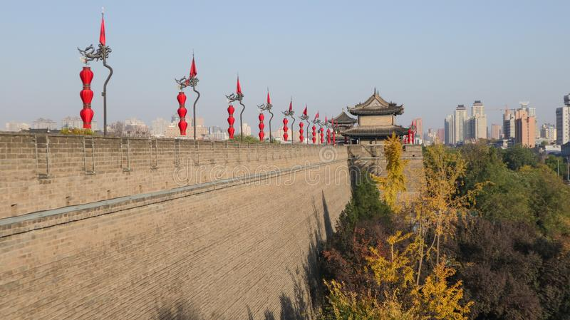 Западный город Сиань, столица династии Qin и династии тяни, городской стены, и ворот города Yongdingmen стоковые изображения rf