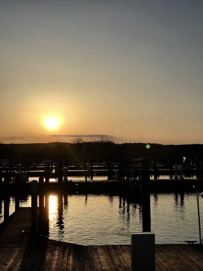 Западный заход солнца залива стоковое фото rf