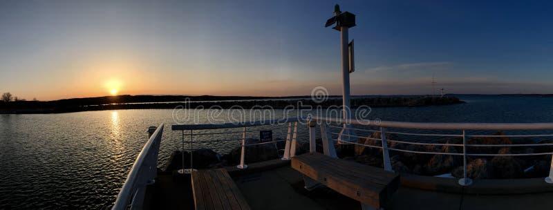 Западный заход солнца залива стоковые изображения