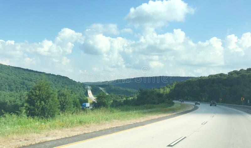 Западный пейзаж Арканзаса и шоссе 4 майн стоковые изображения rf