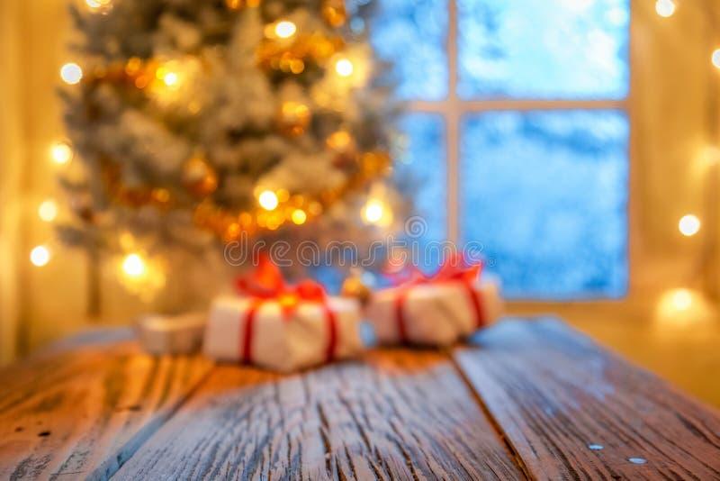 Запачканные рождественская елка и подарки для дисплея или монтажа стоковое изображение rf