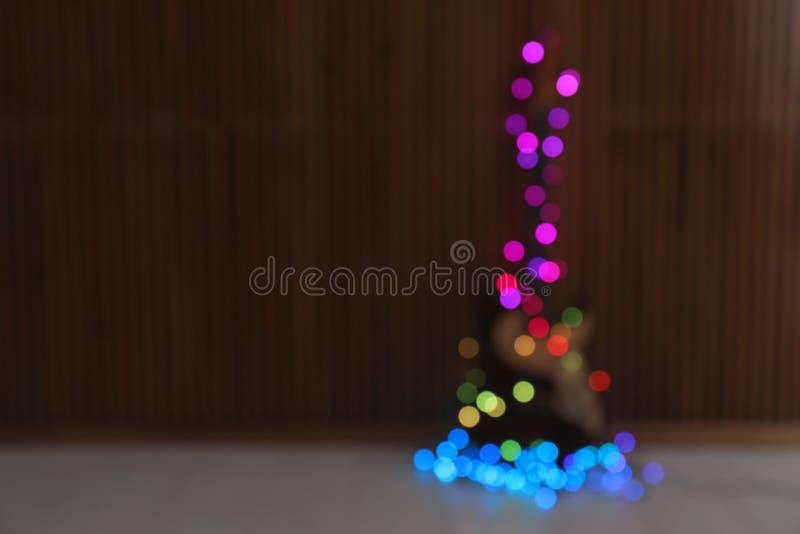 Запачканный взгляд электрической гитары со светами рождества на поле стоковая фотография