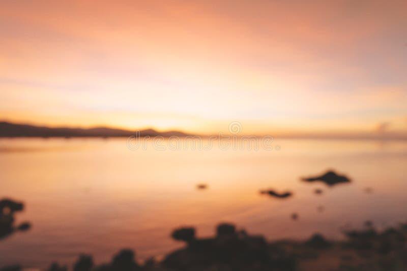 Запачканный красивого пылая ландшафта захода солнца на Чёрном море и m стоковые фото