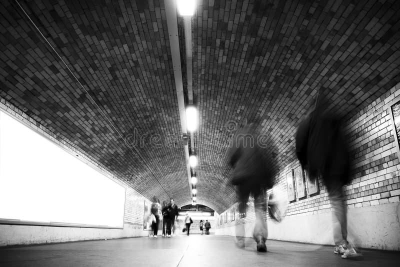 запачканный тоннель людей стоковые фотографии rf