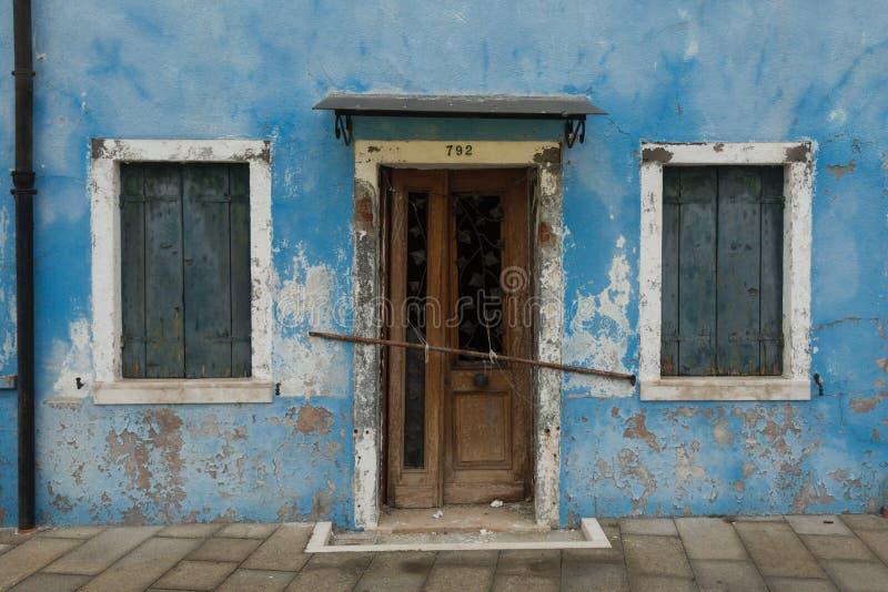 запертая дверь стоковое фото