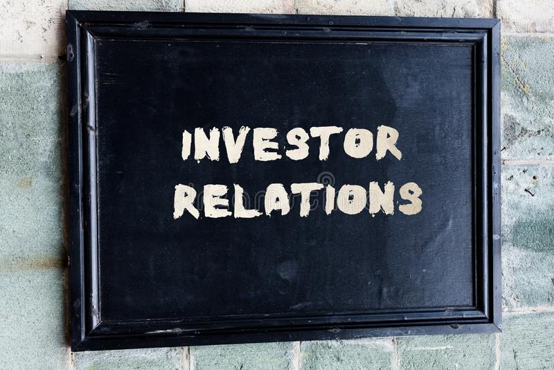 Запись отношений инвестора показа примечания Ответственность analysisagement фото дела showcasing которая интегрирует стоковое фото