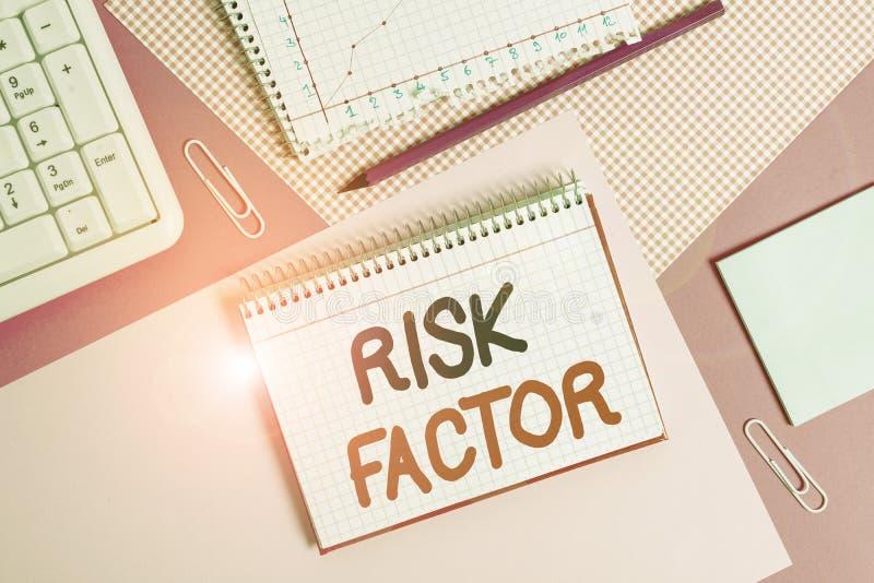 Запись, показывающая фактор риска Бизнес-фото, демонстрирующее поведение условия или другой фактор, повышающий опасность стоковое изображение