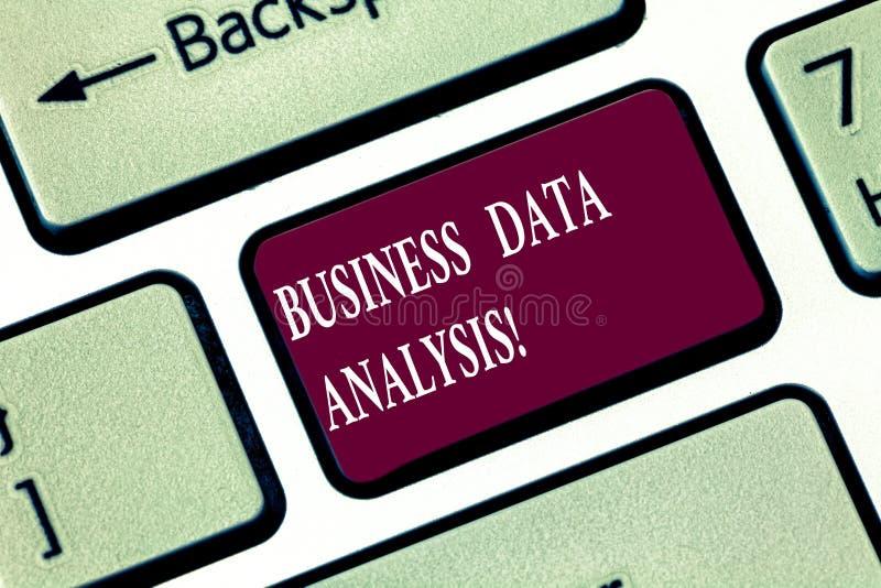 Запись примечания показывая анализ коммерческих информаций Процесс фото дела showcasing оценивать данные используя аналитическое  стоковое фото