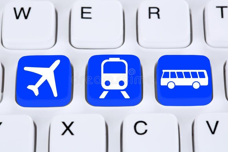 Запишите перемещение отключения онлайн на интернете с шиной, самолетом или trai стоковое фото
