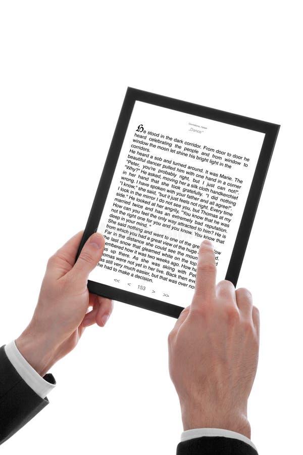запишите ПК удерживания руки e мыжской показывая touchpad стоковая фотография