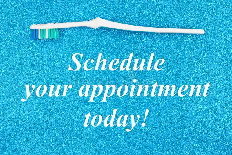Запланируйте вашу встречу сегодня отправьте SMS с зубной щеткой бесплатная иллюстрация