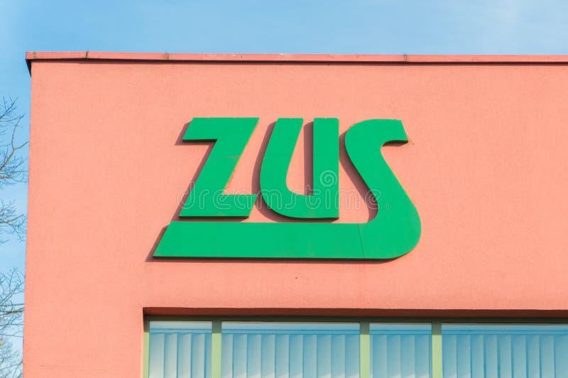 Заполированность логотипа ZUS: Zaklad Ubezpieczen Spolecznych ZUS польское заведение социального страхования стоковое изображение