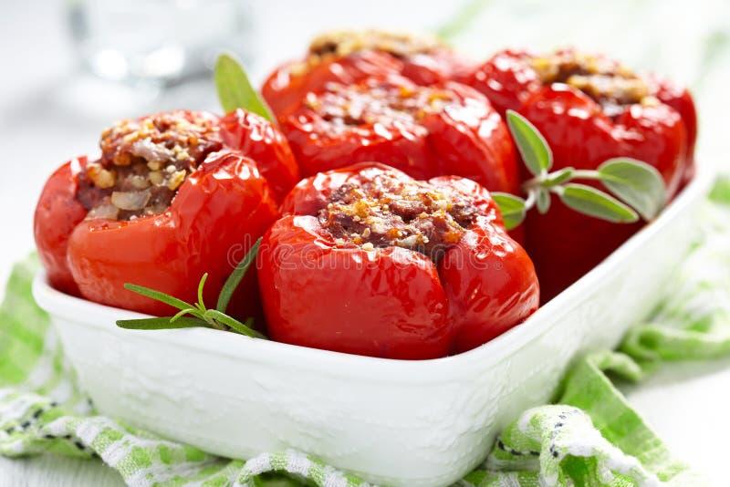 Заполненные перцы с мясом и булгуром стоковое изображение