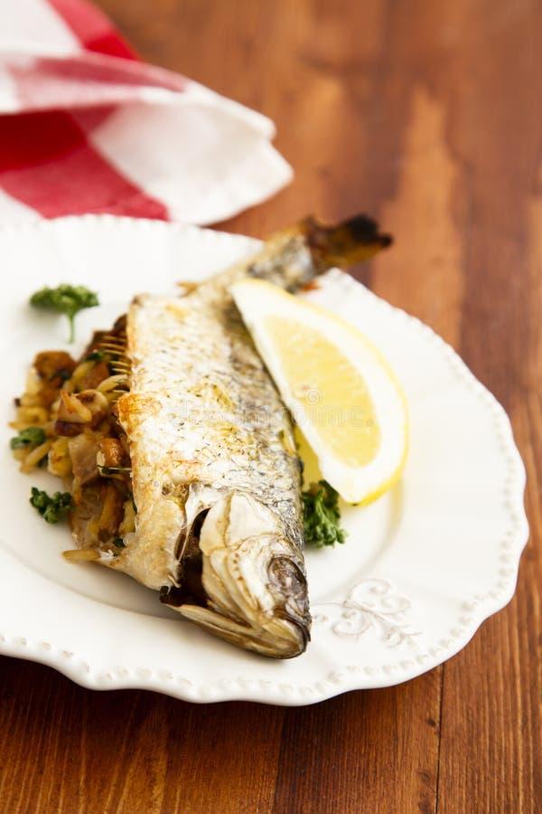 Заполненные рыбы стоковая фотография