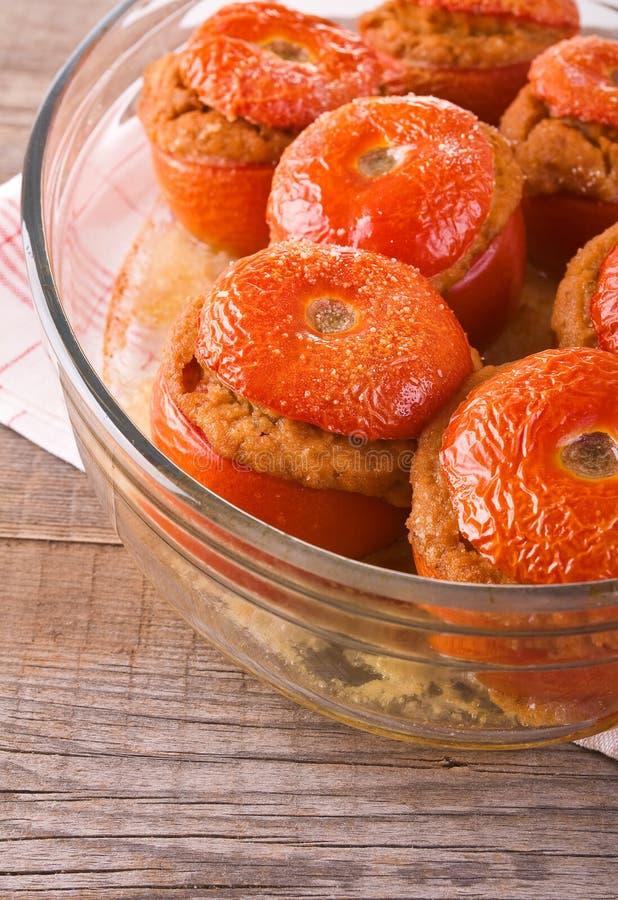 Заполненные томаты на стеклянном шаре стоковое изображение rf
