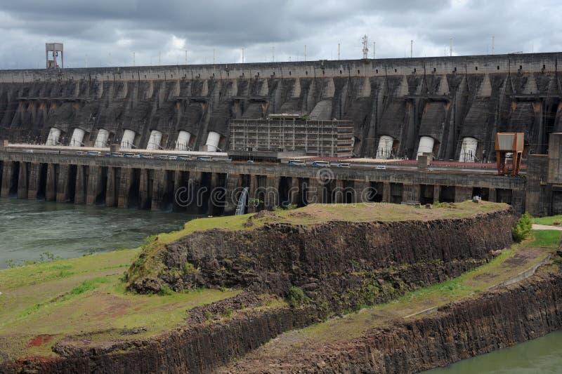 Запруда гидроэлектроэнергии Itaipu стоковые изображения rf