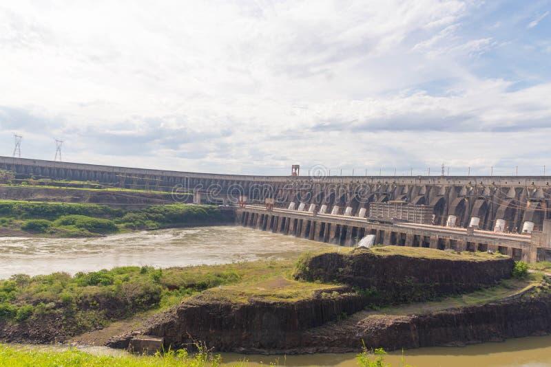 Запруда ГЭС 02 Itaipu стоковые изображения