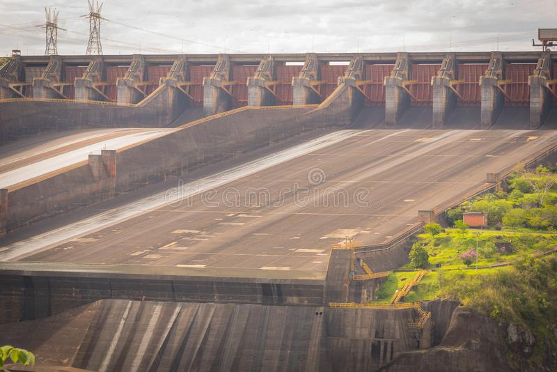 Запруда ГЭС 05 Itaipu стоковые изображения
