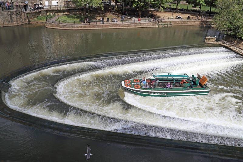 Запруда на реке Эвон в ванне, Великобритании стоковая фотография rf
