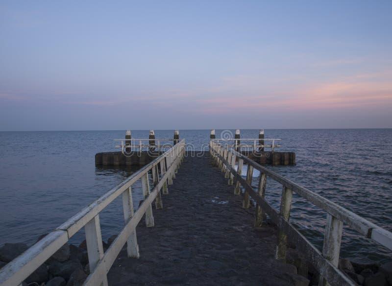 Запруда на IJsselmeer, Afsluitdijk стоковое изображение rf
