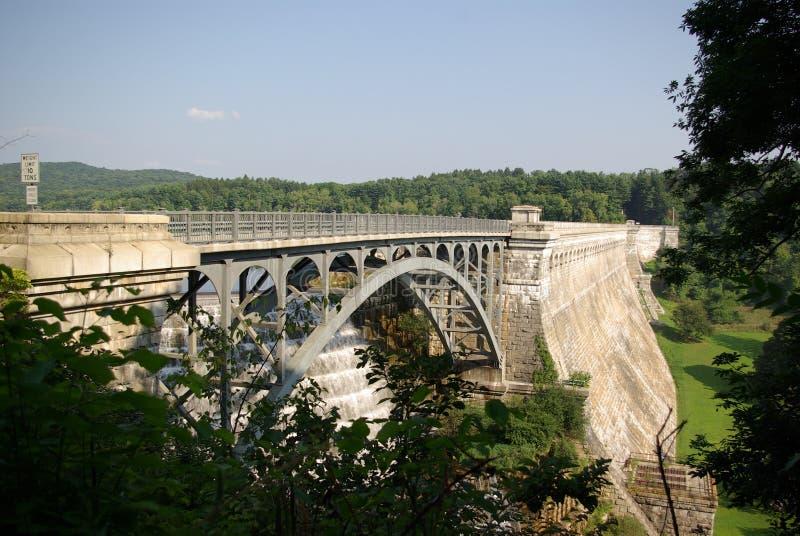 запруда croton моста стоковая фотография