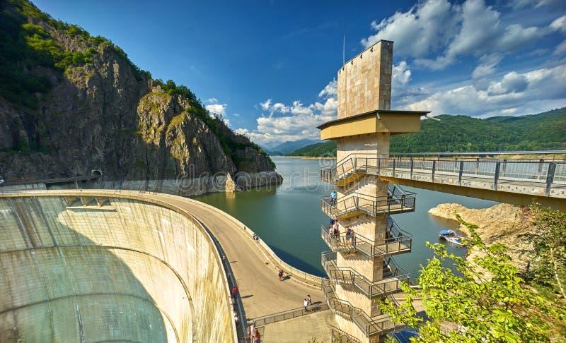 Запруда и озеро Vidraru стоковые фото