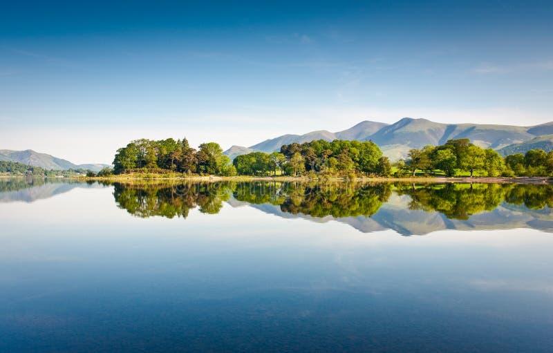 Заречье озера, Cumbria, Великобритания стоковое изображение