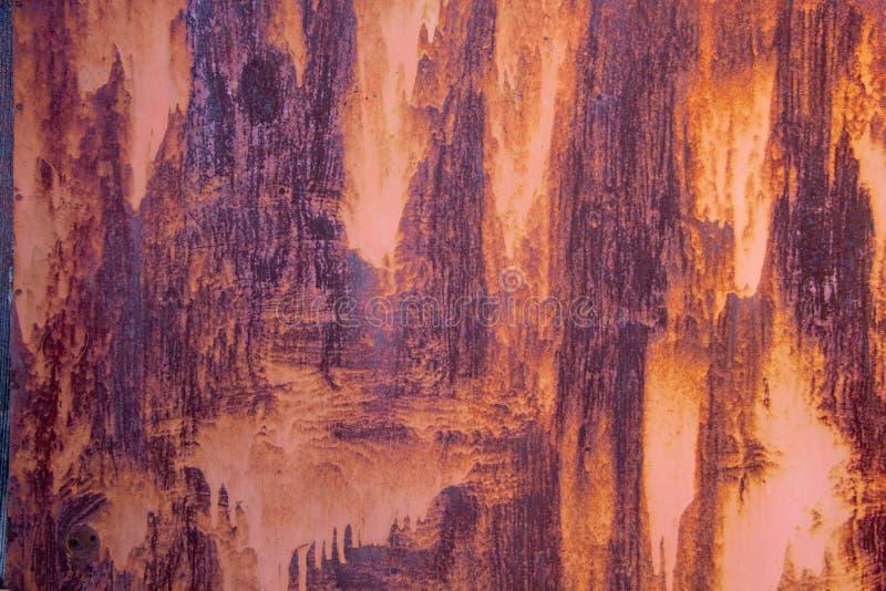 Заржаветая предпосылка текстуры металла Спад сильной ржавчины трудный металла в макросе стоковые изображения rf