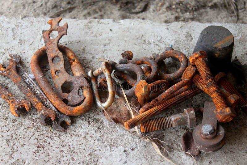 Заржаветые железные инструменты стоковое изображение rf