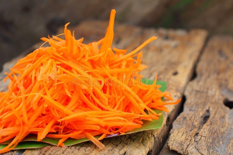 Заскрежетанная морковь стоковые фото
