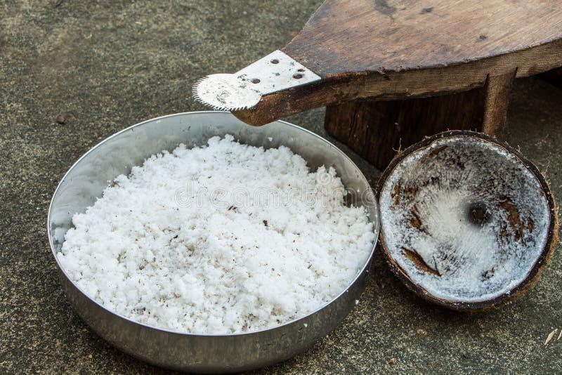заскрежетанный кокос стоковое изображение rf
