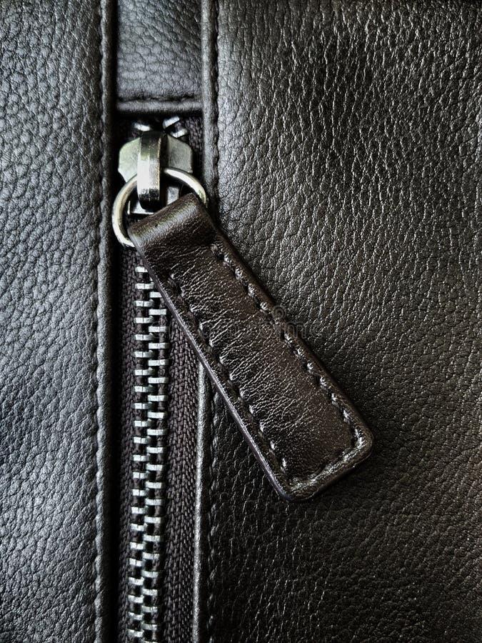 Застежка-молния кожаной сумки стоковое изображение rf