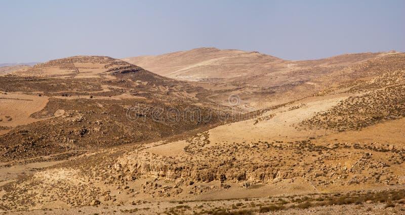 Download Засушливый ландшафт, Джордан Стоковое Фото - изображение насчитывающей весьма, сельско: 81803466