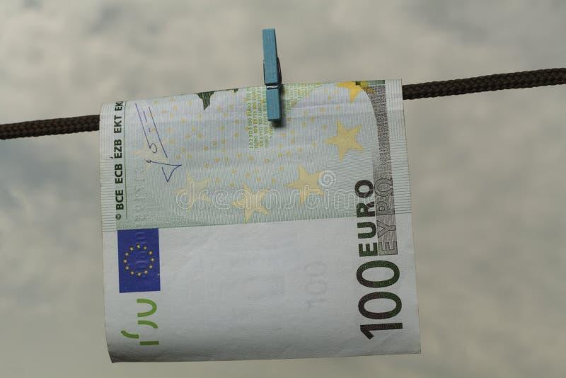 Засыхание евро стоковая фотография rf