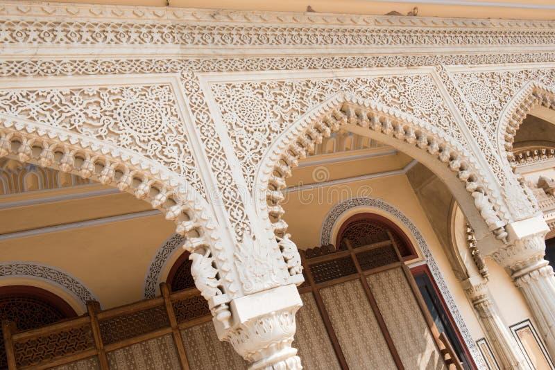 Затейливая архитектура в дворце города стоковые изображения