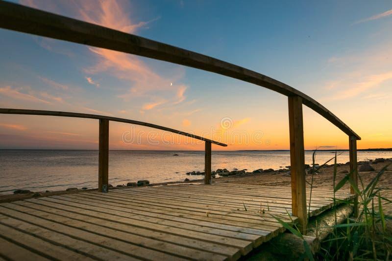 Затишье на Gulf of Finland на заходе солнца стоковое фото