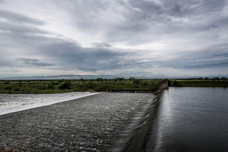 Затопленный водосброс стоковая фотография rf